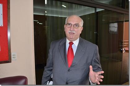 ex embajador Eduardo Insfrán