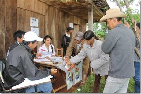 historica-votacion-en-la-localidad-de-3-de-mayo-_595_396_87810