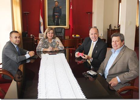 Firma Dr. Econ. Luis Aguirre Director de la Dinac